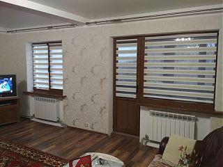 рулонные шторы в зал